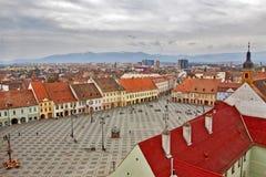 Vista del quadrato principale di Sibiu da sopra Immagini Stock Libere da Diritti