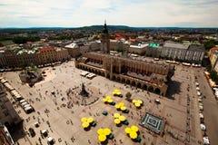Vista del quadrato principale nel ³ w, Polonia di KrakÃ. fotografia stock