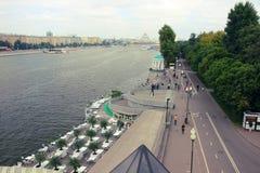 Vista del río de Moscú y del terraplén adyacente Imagen de archivo