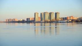 Vista del río de Neva, St Petersburg almacen de metraje de vídeo