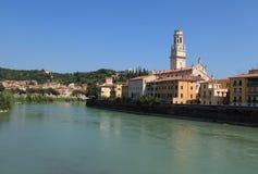 Vista del río del Adigio Verona, Imagen de archivo