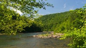 Vista del río del tramposo del puente de Jenkinsburg Foto de archivo libre de regalías