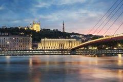 Vista del río Saone en la puesta del sol en la ciudad de Lyon Foto de archivo