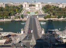 Vista del río Seine, Trocadero y defensa del La de la torre Eiffel parís Imagen de archivo libre de regalías