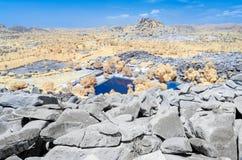 Vista del río y de la pampa Sarovar de Tungabhadra de la cumbre fotografía de archivo libre de regalías