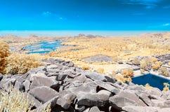 Vista del río y de la pampa Sarovar de Tungabhadra de la cumbre imagen de archivo
