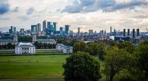 Vista 2016 del Regno Unito Londra Greenwich a Londra centrale ed al molo color giallo canarino Panorama realmente industriale Fotografia Stock