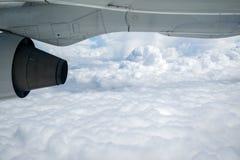 Vista del sedile di finestra dell'aeroplano fotografie stock libere da diritti