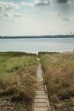 Vista del sendero al río Támesis Imagen de archivo libre de regalías