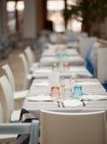 Vista del sistema de la tabla del restaurante Imagenes de archivo