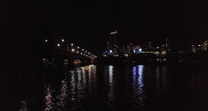 Vista del sud del fiume di notte della città di BNE Fotografia Stock Libera da Diritti