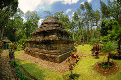 Vista del tempio di Sumberawan accanto al giardino Fotografia Stock