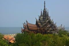 Vista del tempio di verità thailand fotografie stock libere da diritti
