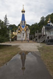 Vista del tempio in onore dell'icona della nostra signora di Semistrelnaya nel monastero femminile della trinità-Georgievsky in v Immagine Stock