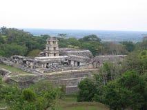 Vista del templo maya Imágenes de archivo libres de regalías