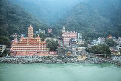 Vista del terraplén del río de Ganga Fotos de archivo libres de regalías