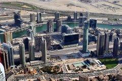 Vista del tetto sul Dubai dal 154° piano del Burj Khalifa immagini stock