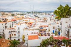 Vista del tetto sul porto da Catedral de Santa Maria fotografia stock libera da diritti