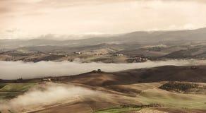 Vista del valle de Montalcino imagen de archivo libre de regalías