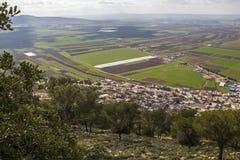 Vista del valle fértil grande de Jezreel y de la montaña de Tavor imagenes de archivo