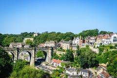 Vista del viaducto ferroviario sobre el río Nidd Foto de archivo