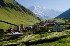 Vista del villaggio di alta montagna di Ushguli in Svaneti, Georgia Immagine Stock Libera da Diritti