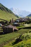 Vista del villaggio di alta montagna di Ushguli in Svaneti, Georgia Fotografia Stock Libera da Diritti