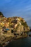 Vista del villaggio di Manarola, Cinque Terre, Italia Immagini Stock