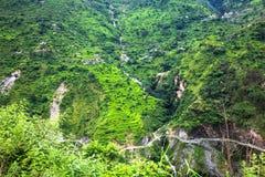 Vista del villaggio sulla montagna Immagini Stock Libere da Diritti