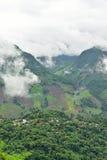 Vista del villaggio sulla montagna Fotografia Stock Libera da Diritti