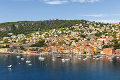 Vista del Villefranche-sur-Mer su Riviera francese Fotografia Stock