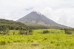 Vista del vulcano di Arenal in Costa Rica Fotografia Stock Libera da Diritti