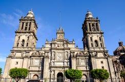 Vista delantera de la catedral Metropolitana en Ciudad de México imagenes de archivo