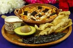 Vista delantera de la sopa mexicana de la tortilla Foto de archivo libre de regalías