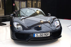 Vista delantera de Porsche 918 Spyder Fotografía de archivo