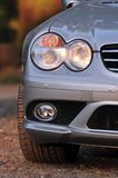 Vista delantera de un coche deportivo Imagen de archivo libre de regalías
