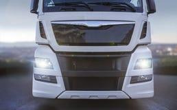 Vista delantera del camión llano foto de archivo libre de regalías