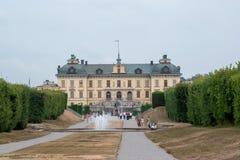 Vista delantera del castillo real de Drottningholm fotos de archivo libres de regalías