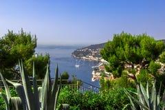 Vista delantera del mar Mediterráneo, bahía de ángeles, Niza, Francia Imagen de archivo libre de regalías