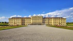 Vista delantera del palacio de Schonbrunn Imagen de archivo