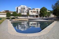 Vista delantera del parlamento escocés Imágenes de archivo libres de regalías