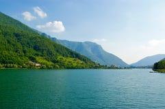Vista dell'acqua di Iseo Italia del lago Fotografia Stock