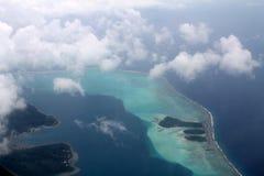 Vista dell'aeroplano dell'oceano Pacifico, isola di BoraBora, Polinesia francese immagini stock libere da diritti