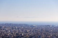 Vista dell'aeroplano di Atene e del mare ionico fotografia stock libera da diritti