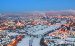 Vista dell'alba su una città Mosca di inverno Immagini Stock