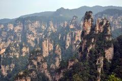 Vista dell'allerta mentre facendo un'escursione intorno all'area scenica di Wulingyuan Che a Immagine Stock Libera da Diritti