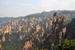 Vista dell'allerta mentre facendo un'escursione intorno all'area scenica di Wulingyuan Che a Fotografie Stock