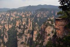 Vista dell'allerta mentre facendo un'escursione intorno all'area scenica di Wulingyuan Che a Immagini Stock
