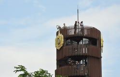 vista dell'alta torre della foresta di progetto nella città Tailandia Fotografia Stock