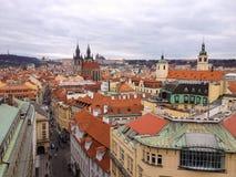 Vista dell'angolo alto del centro storico di Praga Immagini Stock Libere da Diritti
